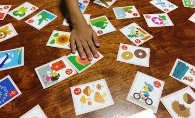 実は知育効果がいっぱい!お正月の定番「かるた遊び」。初挑戦の4歳娘も全集中で楽しめた!