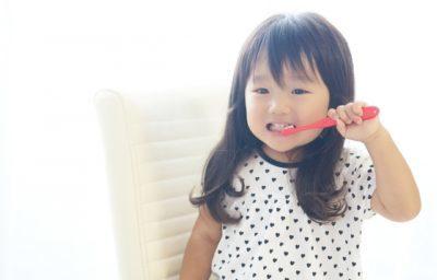 嫌がる歯みがきどう対応する?4歳娘の歯医者さんデビューは歯みがき嫌い克服のヒントがいっぱいだった!
