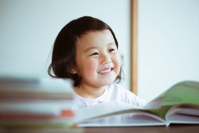 """小学校入学前の子におすすめ!『体のこと』が楽しく""""遊びながら""""学べる本。"""