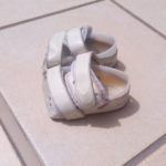 歩くのが遅い、よく転ぶ。低緊張の子の靴選び(2歳~3歳)