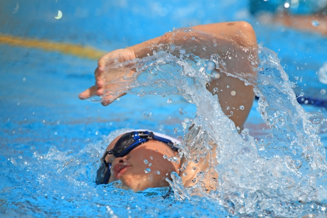 スイミング、速く泳ぐ方法は?!泳ぎ方のコツは4つ!?娘(小4)が元オリンピック選手に教えてもらったこと。