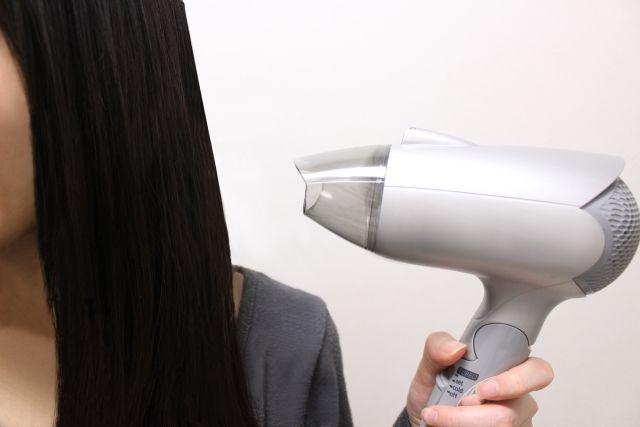 1人で髪をちゃんと乾かせるのはいつから!?小2娘、特訓中です。