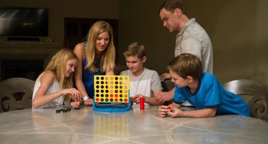 休校中は世界中で人気のボードゲーム「カタン」に挑戦してみては?