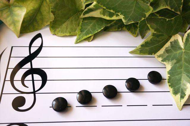 4歳息子をヤマハ音楽教室に通わせたい私。反対するパパ。それぞれの理由は??