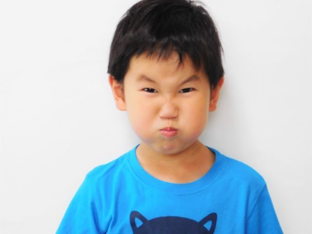小6長男、反抗期真っ最中!反抗する理由は?親はどう対応する???