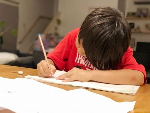 学習机どこに置く?リビング学習のメリットとデメリット Ribbonの育児ブログ