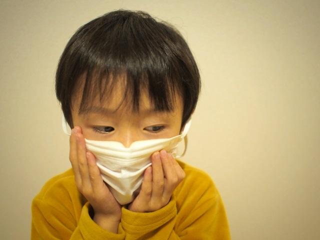 子どもの熱中症が心配!マスクをつけたままの学校生活。何に気をつければいい?対策は?