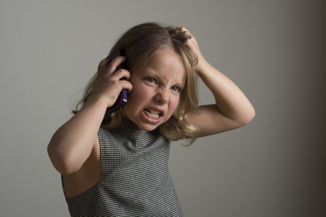 [後編]夜更かしして反抗的な態度の小5娘にブチギレたら、なぜか私が家から閉め出された話~夫のフォロー~