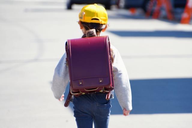 【小1の壁】毎日働いているのに子供が学童NG!?「在宅ワークがメイン、ときどき出社」の悩み