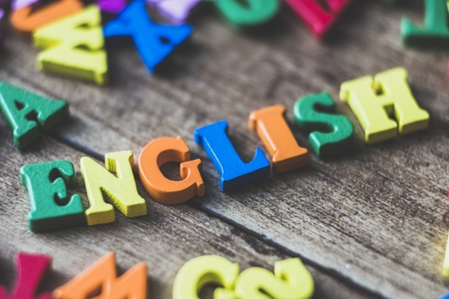 インターのサタデースクールでどれだけの英語力がつくか?年少から通い始めた現在小3の娘を見て