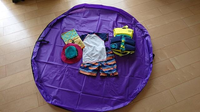 おもちゃ収納グッズの「じゃない」使い方。プレイマットが子供の水遊び・公園遊びに超便利だった!