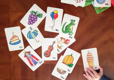 アメリカでママが子どもに英単語を教える時のアイテムおすすめ4選!