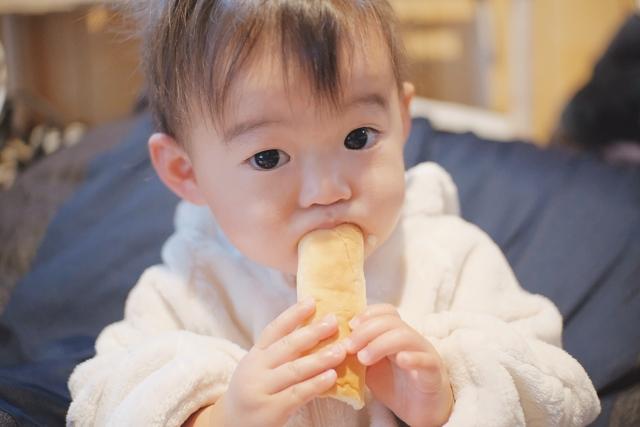 朝ごパンの放置・持ち逃げ・神隠し!?1歳半の朝ごはんに今日もヘトヘトです。