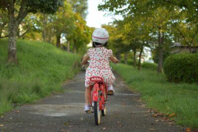 ペダルの漕ぎ方が分からない!?4歳娘の自転車デビューに親子で悪戦苦闘!