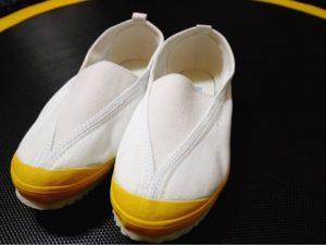 あってよかったシューストレッチャー。洗ってきつくなった娘の靴が復活。