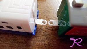 連結できない電車のおもちゃもコレ1つで連結できちゃう!簡単解決アイデア