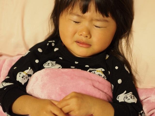 子どもが咳で眠れない時に試してみた3つの方法。