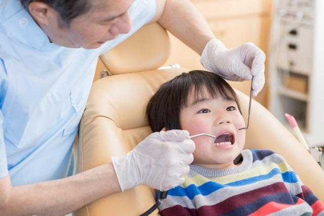 過剰歯って何?どんな問題がある?治療は?小4娘が過剰歯を抜くことになりました。