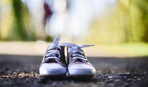 子ども靴のフリマ購入はあり?やっぱり新品?初めて3歳娘にフリマアプリで靴を購入した話