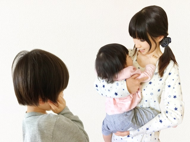 工夫次第で上の子もご機嫌!子供への「ちょっと待ってて」を減らす簡単な方法|Ribbonの育児ブログ