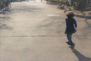 小2息子が学校から飛び出した?!子供の行動の理由と対処法|Ribbonの自閉症児ブログ