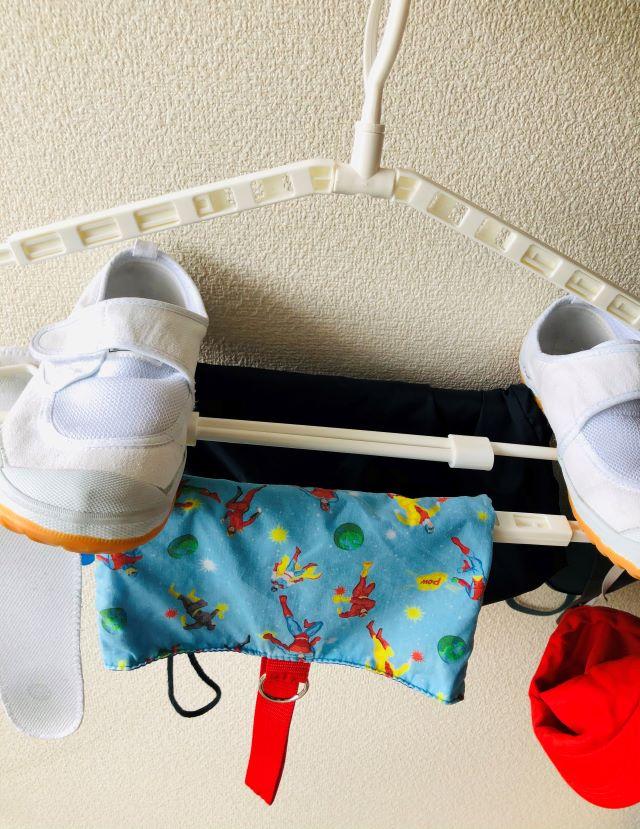 300円ショップで発見!子供の洗濯物を簡単に洗ってコンパクトに干せる超絶便利グッズ!