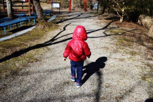 はぁっ?!5歳息子が突き飛ばされた。親はどう対応する?