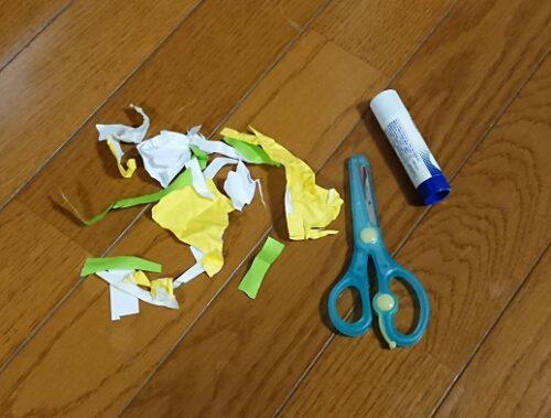 3歳息子の「作品」を捨てて大反省…。刻んだだけの折り紙も子供にとっては立派な作品!