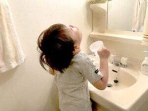 子供へうがいの教え方どうしてる?保育士ママが伝える楽しく遊びながらできる方法 Ribbonの育児ブログ