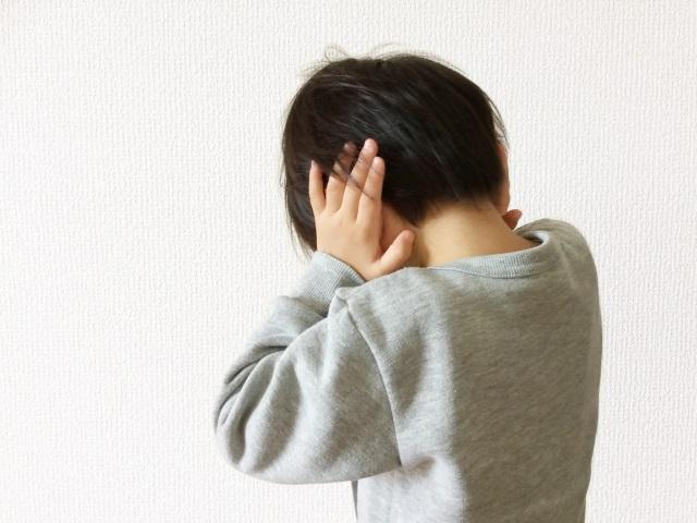 夜驚症(やきょうしょう)って知ってますか?突然起きて怯える子供。治まったと思っていたら…今度は幻聴も!?